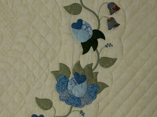 Blue and Green Heart of Roses Quilt in Queen Photo 4