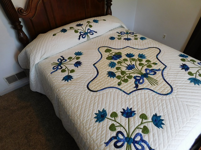 Teal Lotus Blossom Bouquet Quilt Photo 1