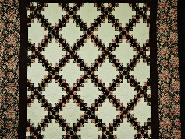 Double Irish Chain Quilt Photo 2