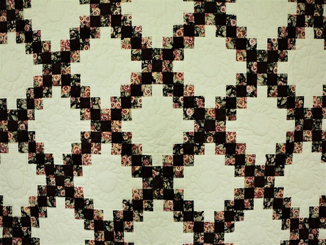 Double Irish Chain Quilt Photo 3