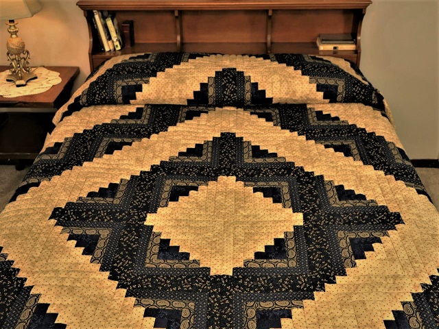 Log Cabin Navy and Deep Tan Quilt Photo 1