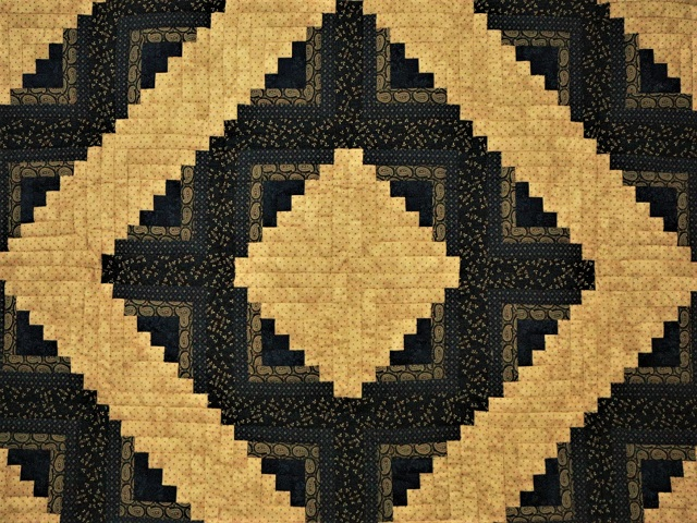 Log Cabin Navy and Deep Tan Quilt Photo 3