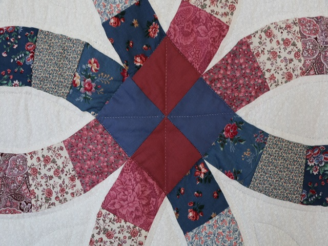 King Blue and Rose Double Wedding Ring Quilt Photo 7
