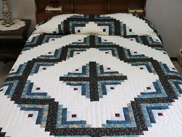 Log Cabin Quilt Photo 1