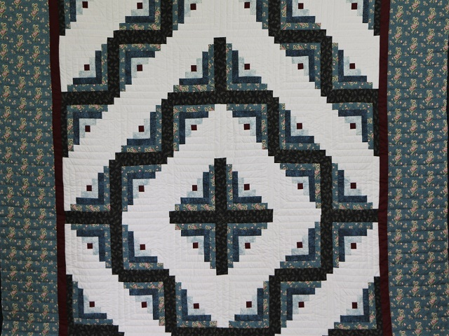 Log Cabin Quilt Photo 2