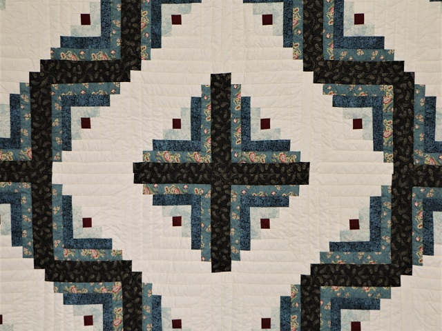 Log Cabin Quilt Photo 3