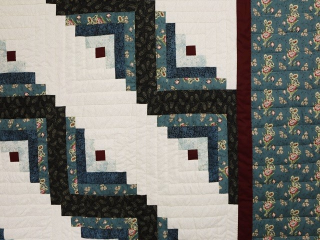 Log Cabin Quilt Photo 8