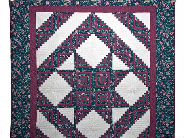 Plum Rose and Green Log Cabin Star Quilt Photo 2