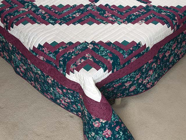 Plum Rose and Green Log Cabin Star Quilt Photo 7