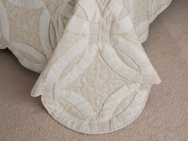 All Neutrals Double Wedding Ring Quilt Queen bed Size Photo 7