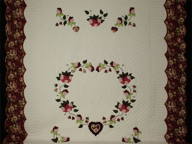 Heart of Roses - Queen size Burgundy and Rose Photo 2