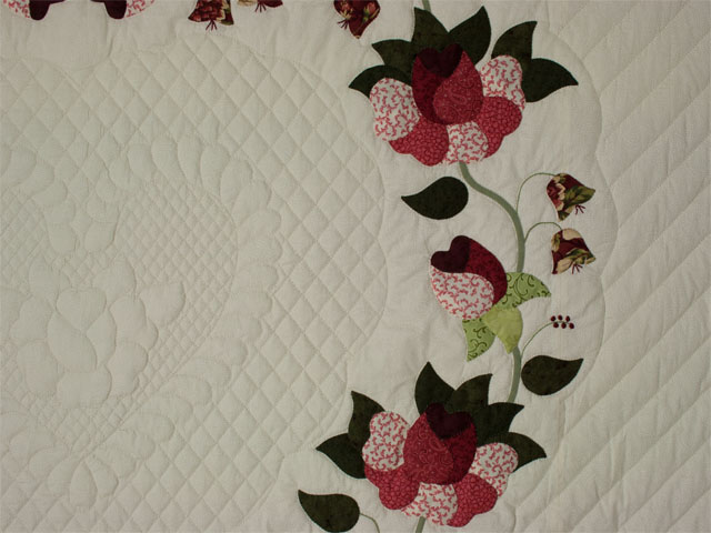 Heart of Roses - Queen size Burgundy and Rose Photo 4