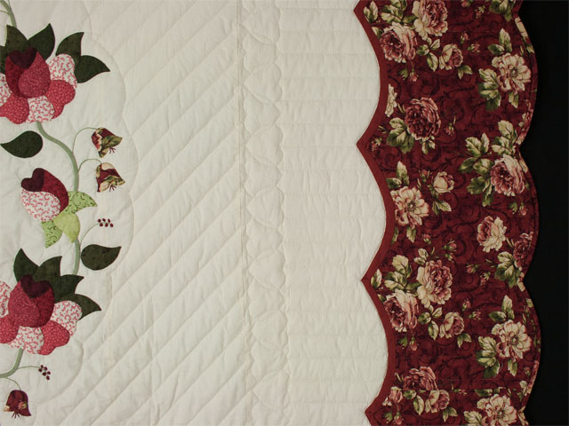 Heart of Roses - Queen size Burgundy and Rose Photo 5