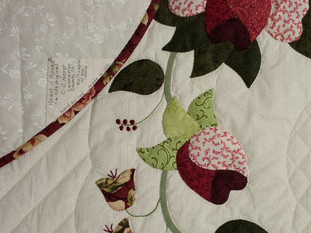 Heart of Roses - Queen size Burgundy and Rose Photo 6