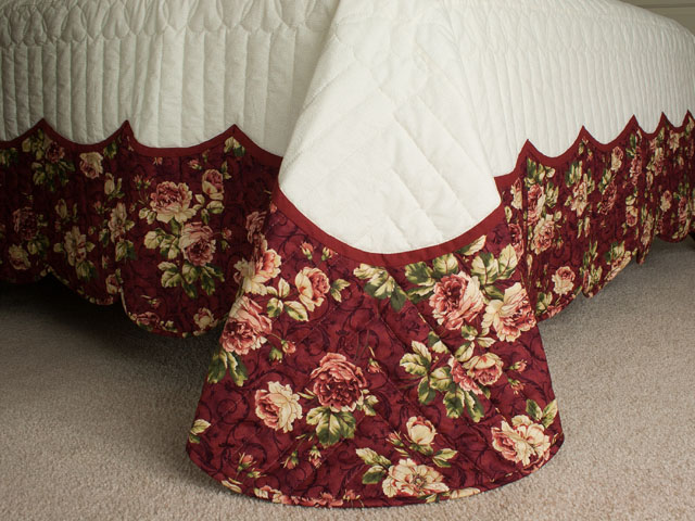 Heart of Roses - Queen size Burgundy and Rose Photo 7