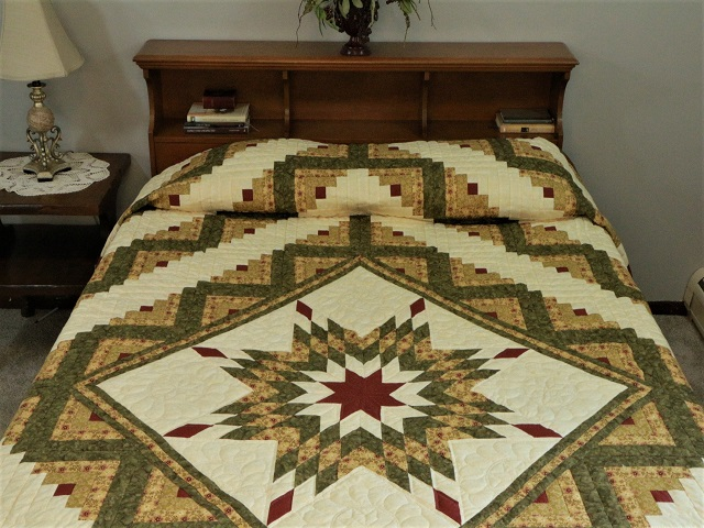 Green Gold and Rusty-Red Lone Star Log Cabin Quilt Photo 1