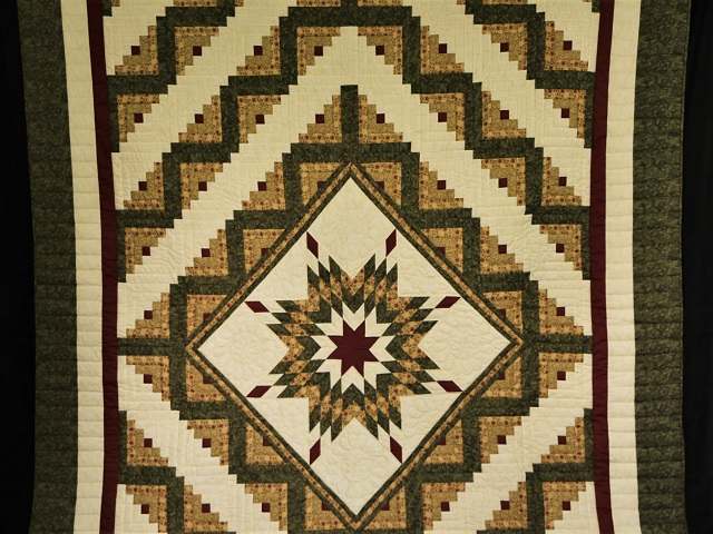 Green Gold and Rusty-Red Lone Star Log Cabin Quilt Photo 2