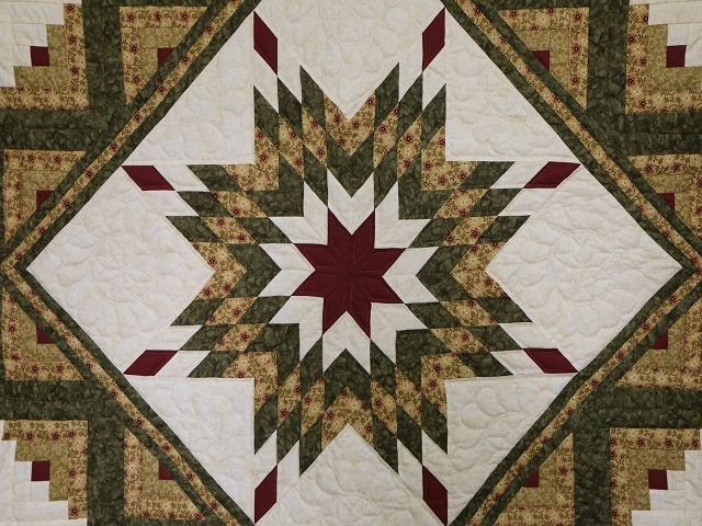 Green Gold and Rusty-Red Lone Star Log Cabin Quilt Photo 3