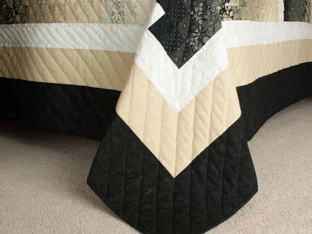 Bargello Wave in Striking Neutrals/tans/and blacks King size bed quilt Photo 7