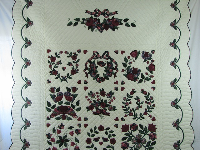 Burgundy Green Applique Sampler Quilt Photo 2