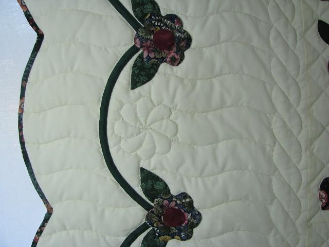Burgundy Green Applique Sampler Quilt Photo 4