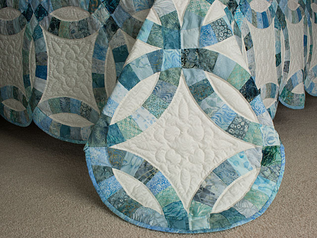 Soft Aqua and Teals in Double Wedding Ring Quilt Queen bed Size Photo 7