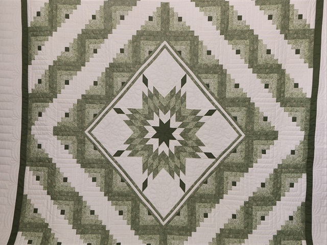 King Soft Greens and Cream Lone Star Log Cabin Quilt Photo 2