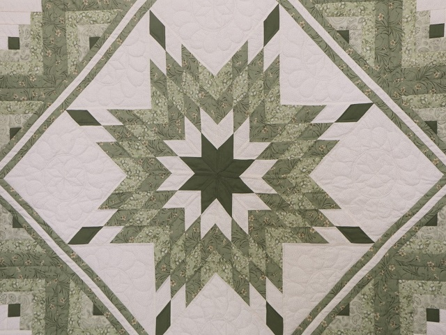 King Soft Greens and Cream Lone Star Log Cabin Quilt Photo 3