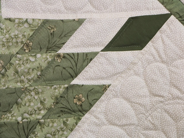 King Soft Greens and Cream Lone Star Log Cabin Quilt Photo 6