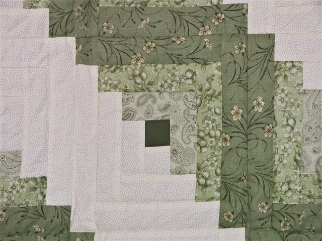 King Soft Greens and Cream Lone Star Log Cabin Quilt Photo 7