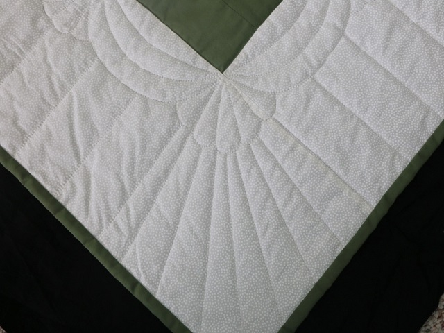 King Soft Greens and Cream Lone Star Log Cabin Quilt Photo 8