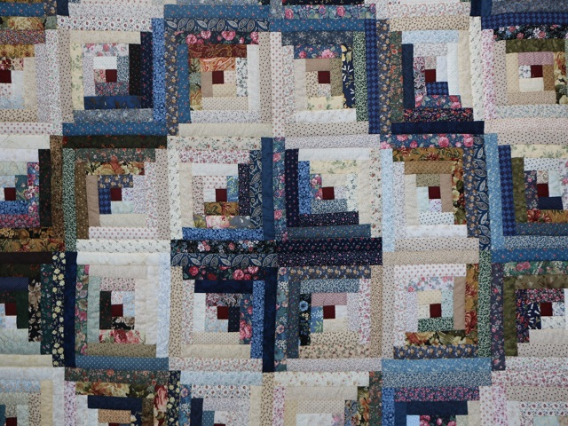 Scrappy Log Cabin Quilt Photo 3