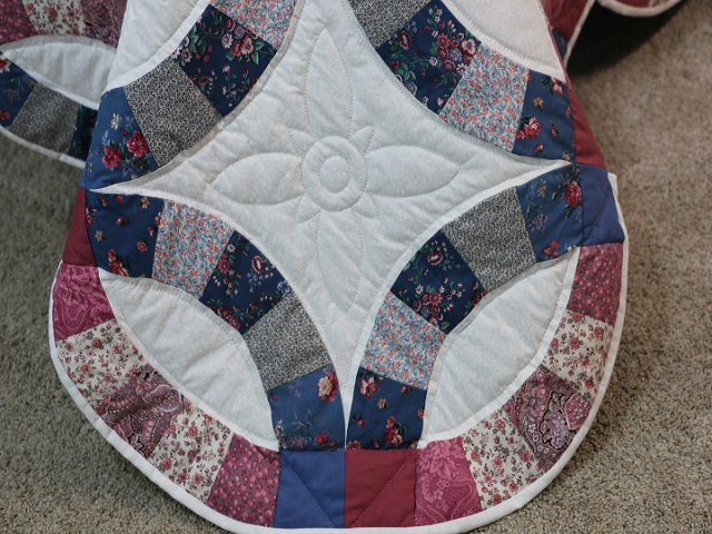 King Blue and Rose Double Wedding Ring Quilt Photo 8