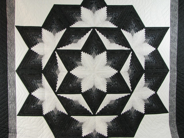 Black and White Diamond Star Log Cabin Quilt Photo 3
