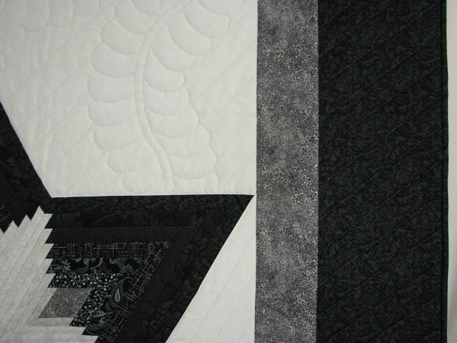 Black and White Diamond Star Log Cabin Quilt Photo 4