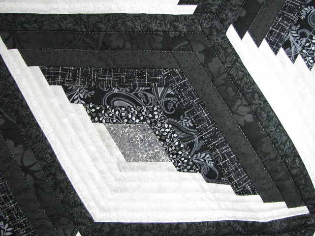 Black and White Diamond Star Log Cabin Quilt Photo 5