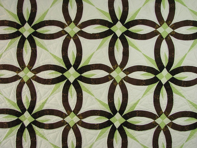 Brown with Green Star Wedding Ring Quilt Photo 3
