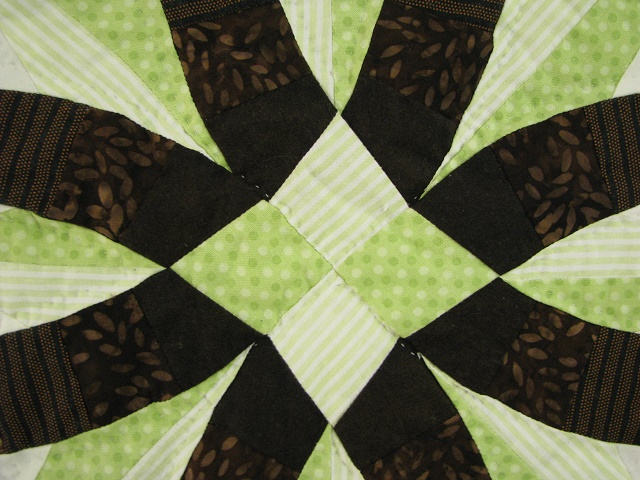Brown with Green Star Wedding Ring Quilt Photo 5