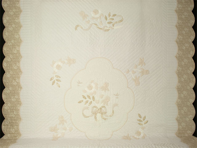 Lancaster Treasure in ivory with tan floral border King size hand appliqued and hand quilted Photo 2