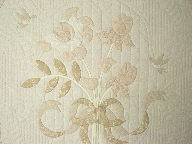 Lancaster Treasure in ivory with tan floral border King size hand appliqued and hand quilted Photo 4