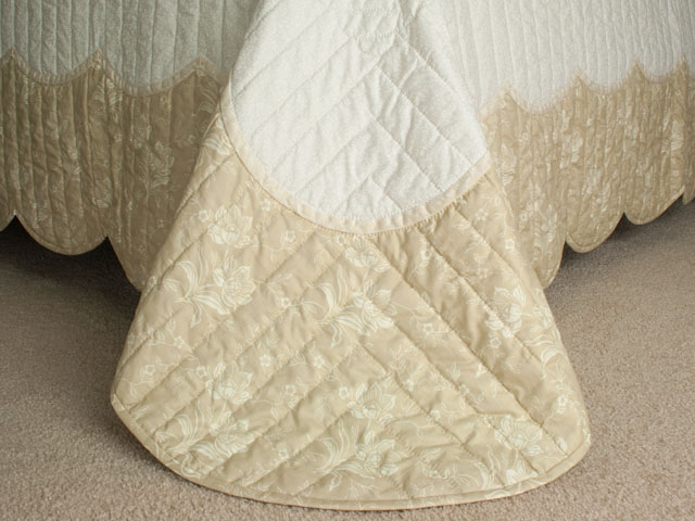 Lancaster Treasure in ivory with tan floral border King size hand appliqued and hand quilted Photo 7