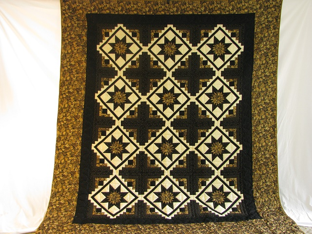 Black and Gold Log Cabin with Stars Quilt Photo 2