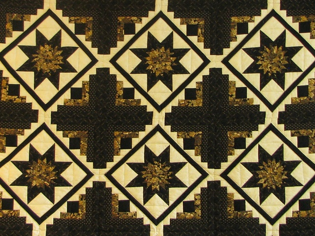 Black and Gold Log Cabin with Stars Quilt Photo 3