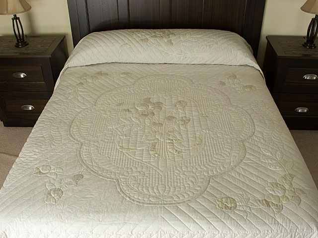 Lancaster Treasure in Snowberry Neutrals
