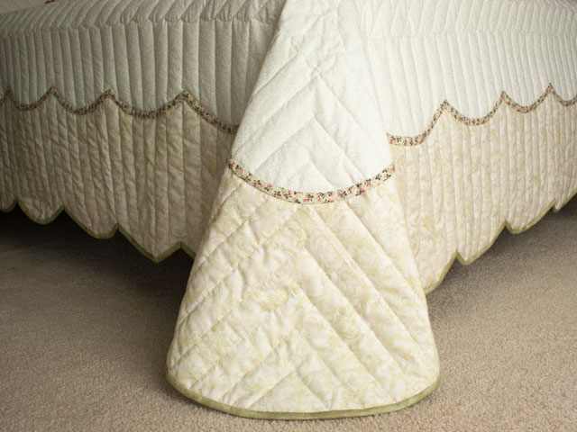 Lancaster Treasure in sage/rose