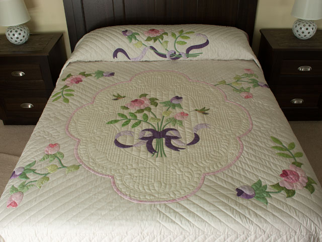 Lancaster Treasure in rose and lilac on ivory Queen size hand appliqued and hand quilted Photo 1