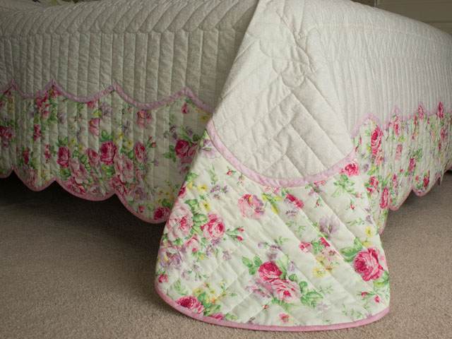 Lancaster Treasure in rose and lilac on ivory Queen size hand appliqued and hand quilted Photo 7