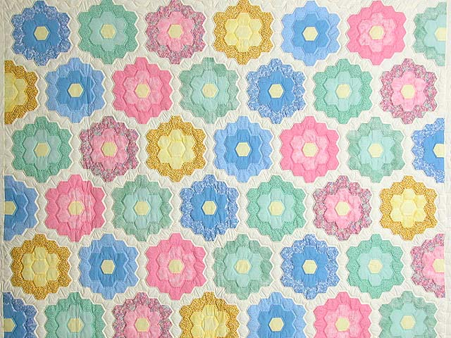 Pastel Multicolor Flower Garden Quilt Photo 3