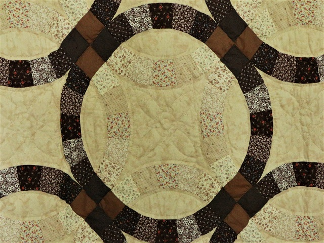 Brown and Tan Wedding Ring Quilt Photo 5