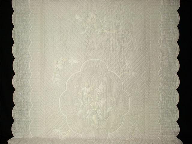 Lancaster Treasure Queen  Soft Neutrals-Hand Applique, Hand Quilted Photo 2